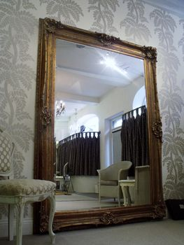 normal_huge-gold-antique-mirror-2