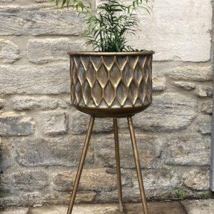Brass planter medium 02